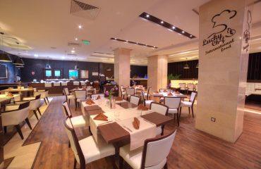 International Hotel Casino & Tower Suites Golden Sands (10)